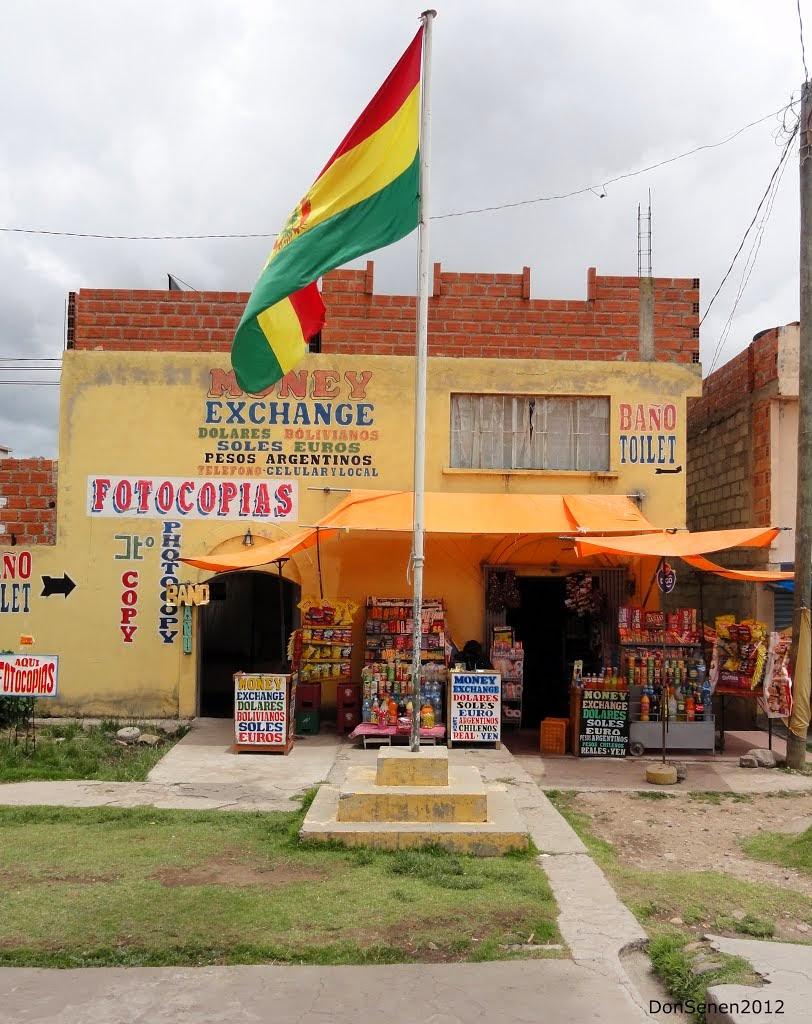 Local para fazer câmbio de moedas na fronteira Bolívia / Peru.
