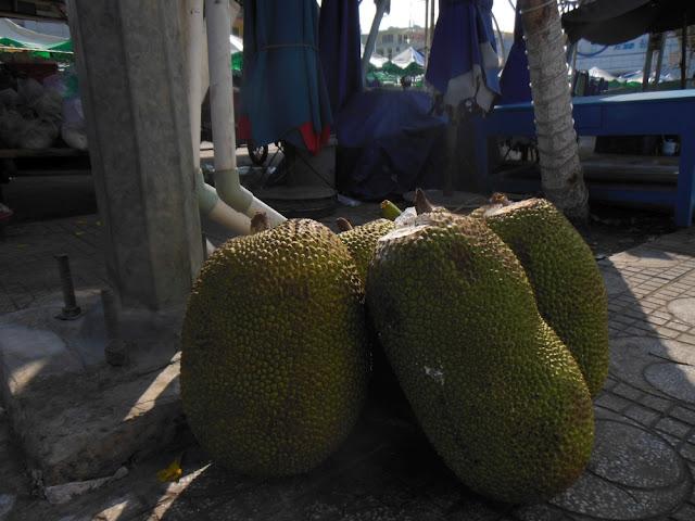 kuchnia azjatycka, street food azja, co zjeść w azji, tajlandia, malezja, wietnam, kambodża, jedzenie, jackfruit