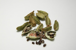Cardamom, Elaichi benefits for Health,Different Types