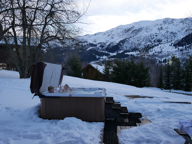 The outdoor hub tub at Chalet Braye - Fish & Pips, Meribel Village
