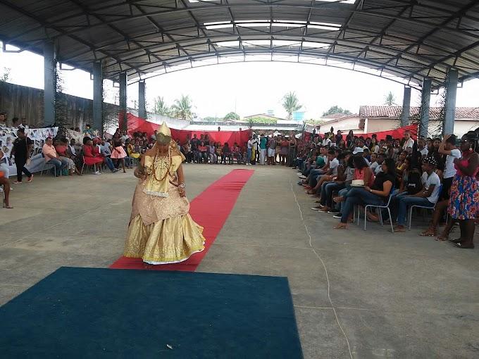 Colégio Estadual Edgard Santos da cidade de Gov. Mangabeira, realiza culminância do projeto: 100 do Samba no Brasil