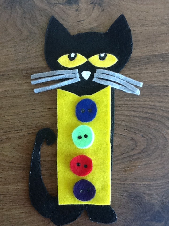 Felt board ideas pete the cat felt board story printable for Felt storyboard templates