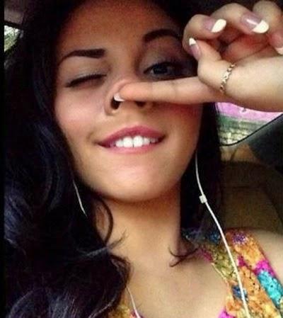 Ariel Tatum selfie lucu