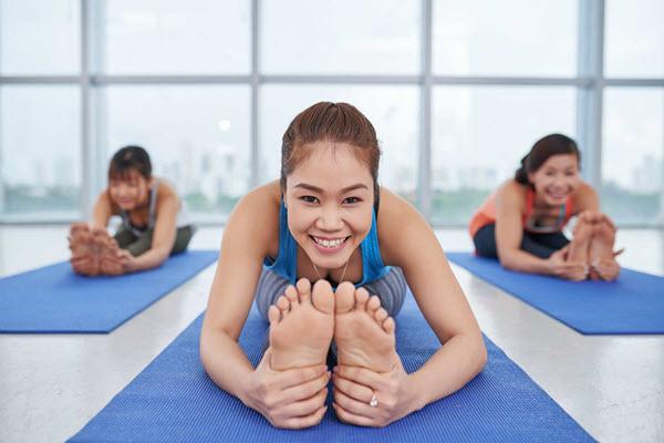 Lựa chọn tư thế Yoga phù hợp với từng độ tuổi