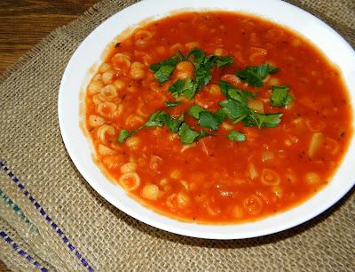 zupa z soczewicą i kiełbasą,