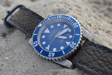 Michael's Helson Sharkdiver on Grey-Moss Nubuck Shark skin strap