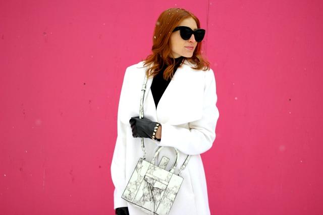 Black white outfit inspiration; marble bag, celine sunglasses