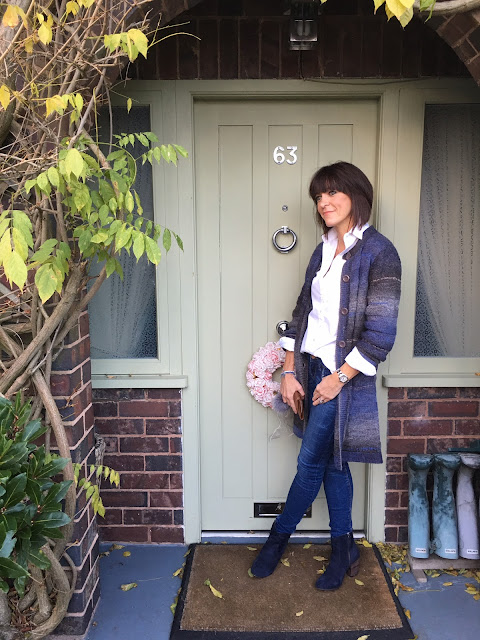 My Midlife Fashion, Damart Oversized cardigan, massimo dutti white tailored shirt, zara skinny jeans, boden boho boots