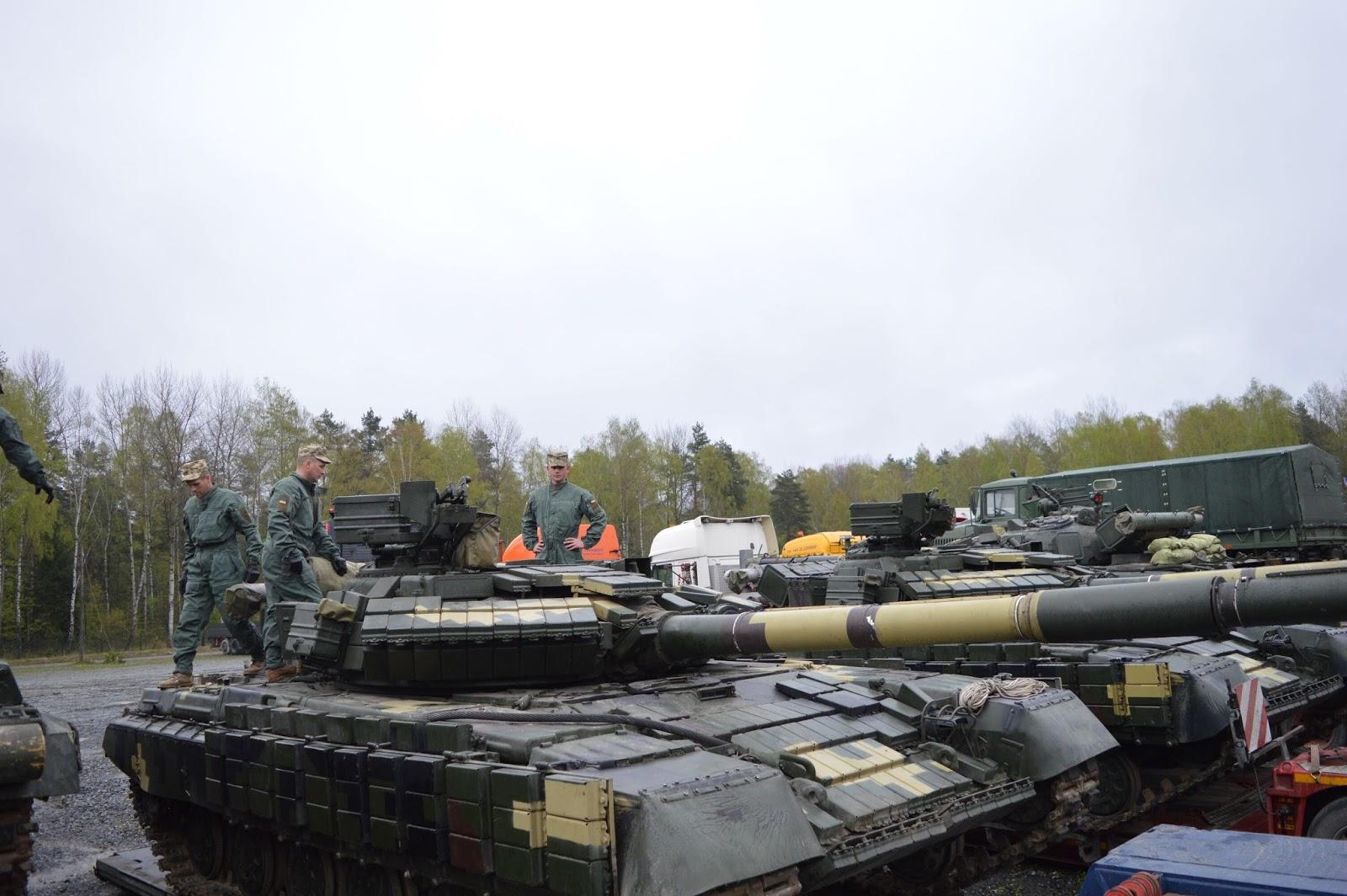 Ukrainian Military Pages - Танкісти 14 омбр прибули у Німеччину для участі у Strong Europe Tank Challenge 2017