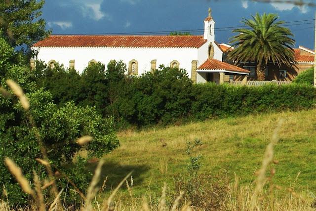 Imagen contemporánea de la gijonesa ermita de La Providencia (archivo del autor)