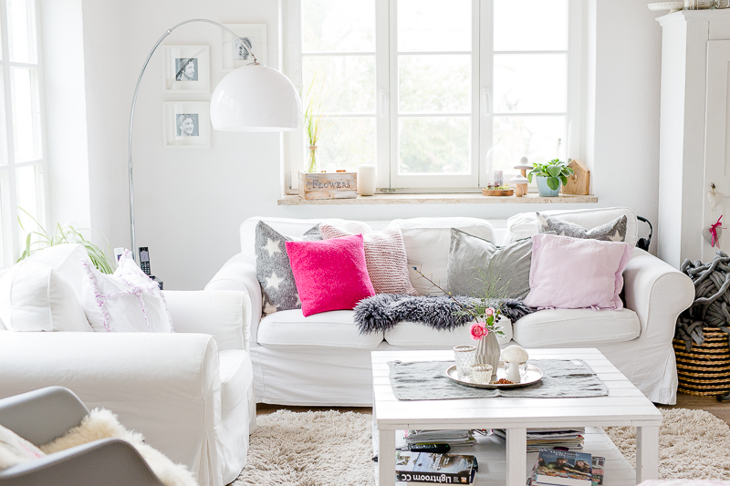 Neue Kissen fürs Sofa und Weekendflowers, Pomponetti