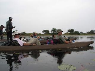 Delta del Okavango en canoa tradicional