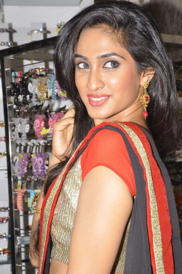 Deepti Sati Saree Navel Show Photos lollywood hot actress ...