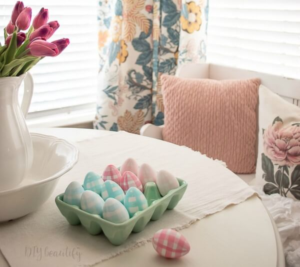 gingham DIY Easter eggs