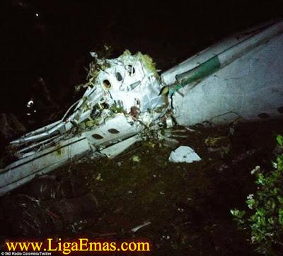 http://ligaemas.blogspot.com/2016/11/benarkah-pesawat-jatuh-karena-ulah.html