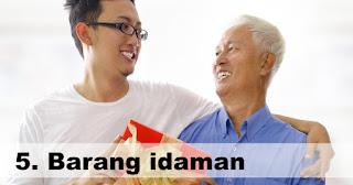 Barang idaman adalah salah satu hadiah yang dinantikan orangtua saat kita mudik