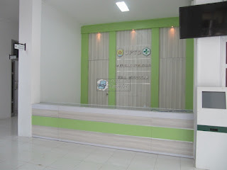 Furniture Interior Ruang Pendaftaran - Meja Front Desk Granit - Semarang Furniture