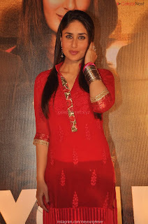 Beautiful Kareena Kapoor Stunning Saree Pics   .xyz Exclusive 007.jpg
