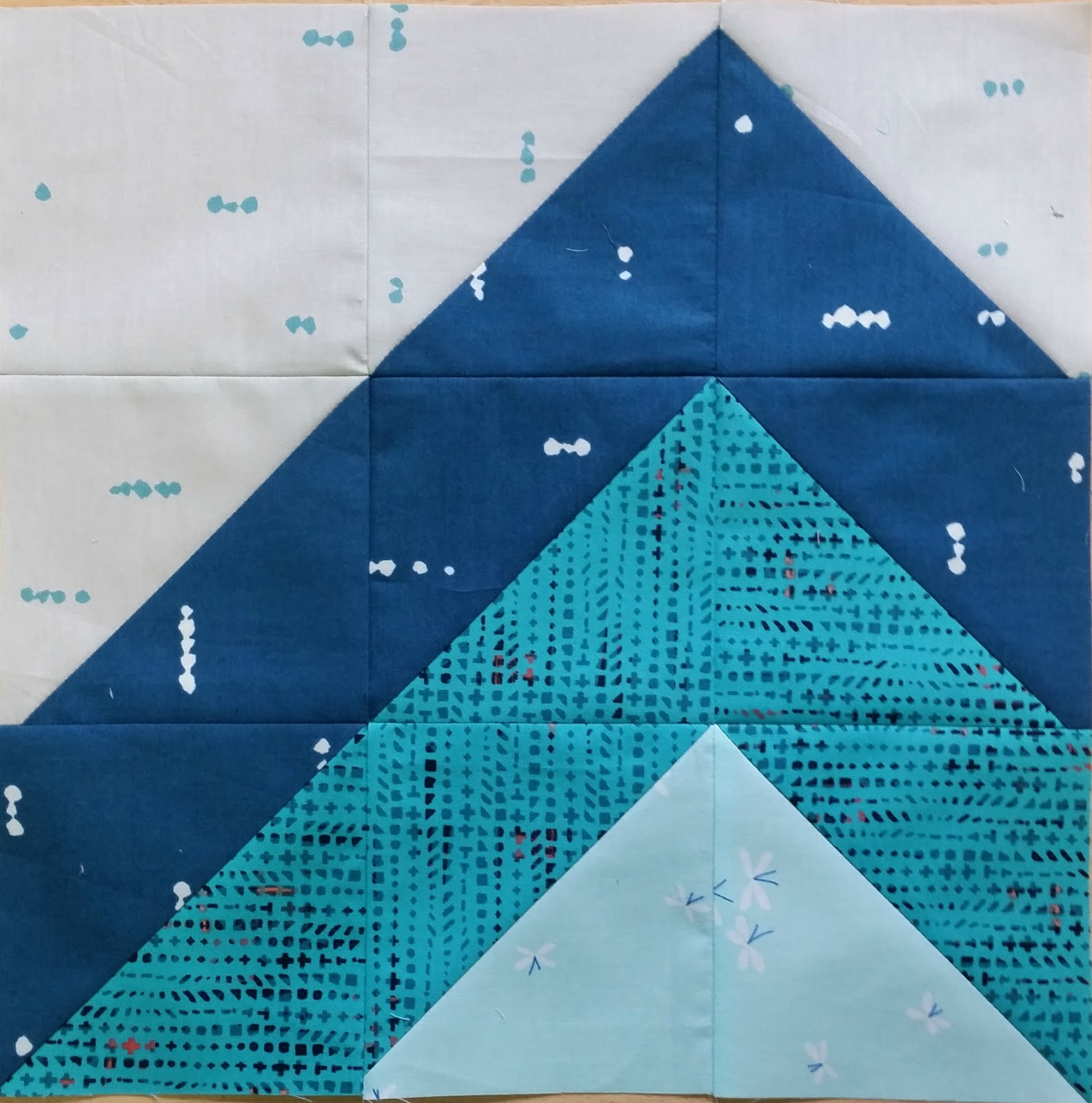 Elven Garden Quilts: Mountain (A Quilt Block Tutorial)