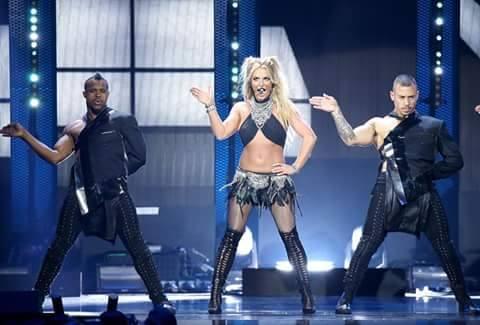 """Britney Spears confirma que no habrá gira para el álbum """"Glory"""""""