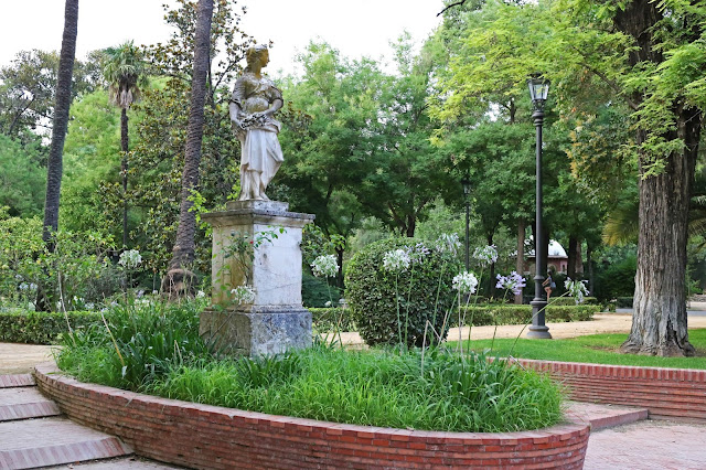 Estatua de Doña Sol