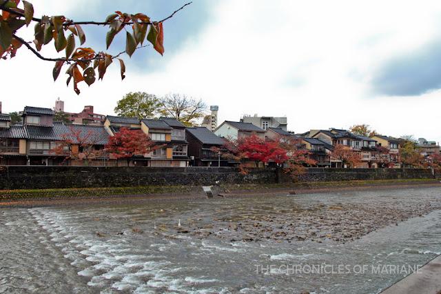 higashi chaya Kazue machi river