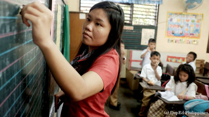 "Delayed release of teachers bonuses ""unacceptable"" – Gatchalian"