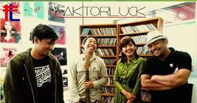 Download Lagu Factor Luck - Para Pencari Hati Mp3 Terbaru 2016