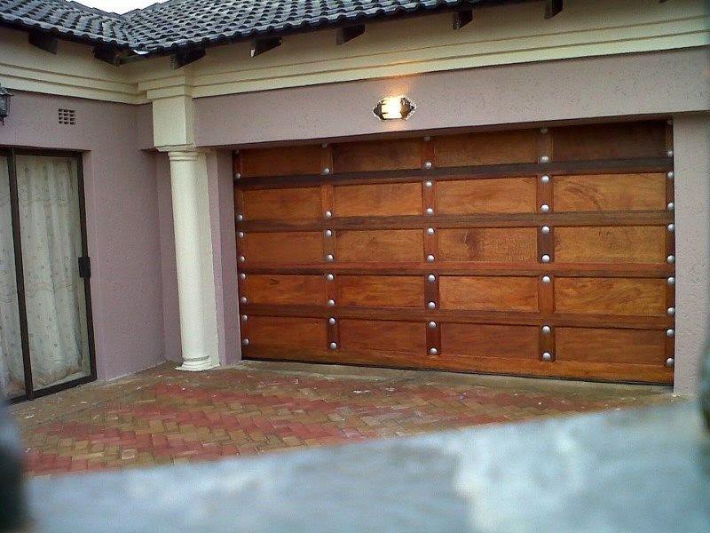 Bontle Glass Aluminium Wooden Garage Doors