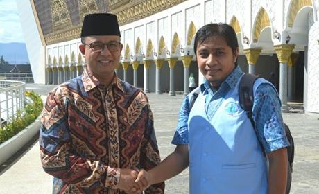 Anies Baswedan Hadiri Multaqa Da'i di Padang, Warga Kota Minta Foto Bareng