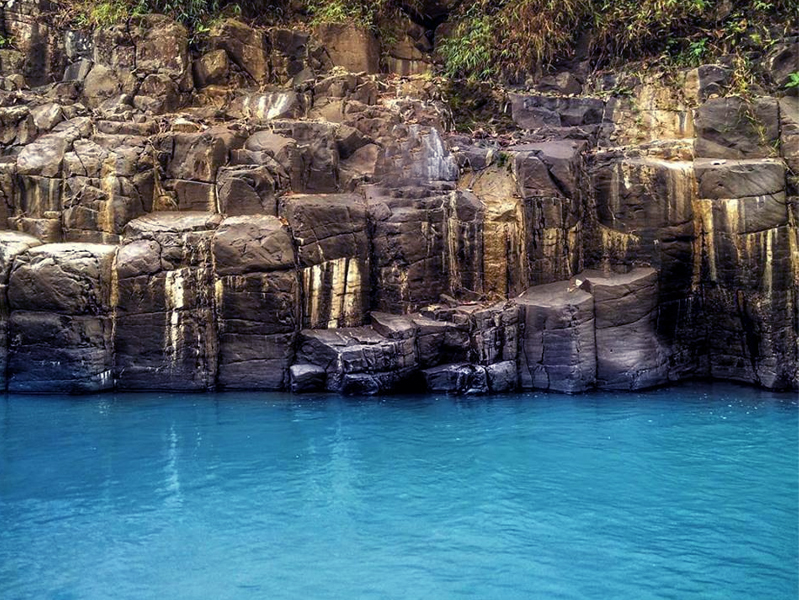 Leuwi Korsi Destinasi Wisata Eksotis Di Bungbulang Garut