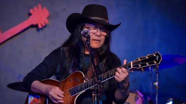 Freddie Aguilar files COC to run as senator