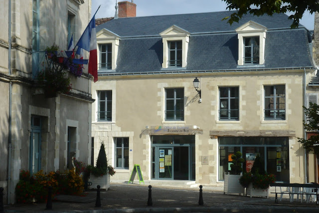 Looking towards the tourist office in Le Grand-Pressigny