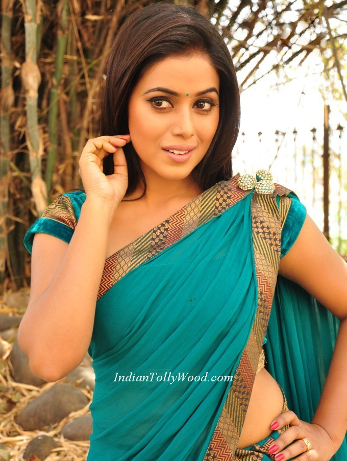 ... At New Telugu Movie Telugulo Naaku Nachani Padam Prema movie Opening