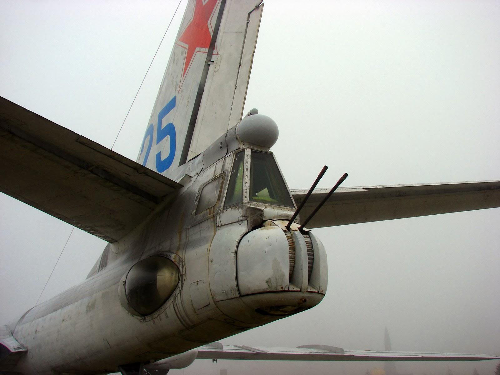 Ту-16: пушки на хвосте
