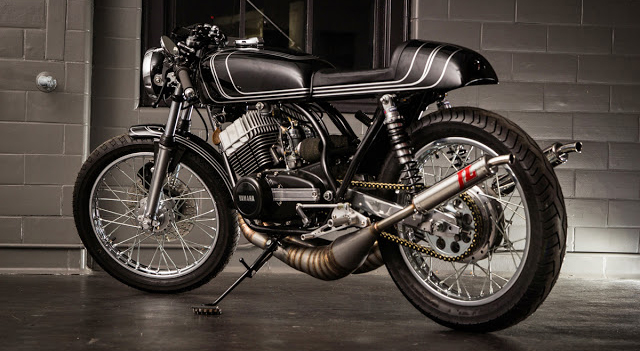 Yamaha-RD350-do-cafe-racer