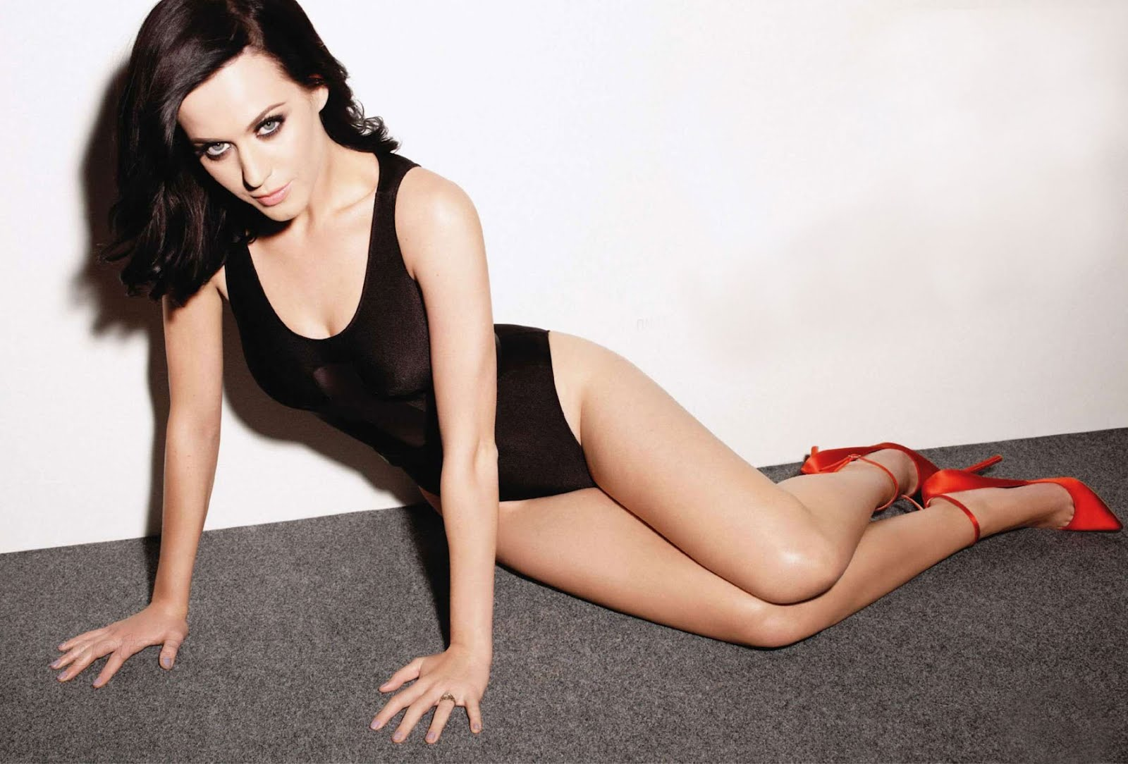 Singer Katy Perry looking so sexy & busty ~ Mirchi Photos ...