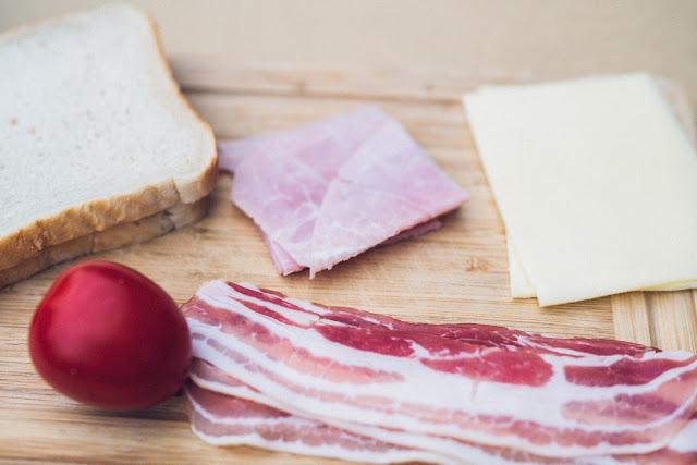 Pie-Iron  Sandwicheisen  Schinken-Käse-Sandwich mit Bacon  Sandwiches am Lagerfeuer  Outdoor-Kitchen 03