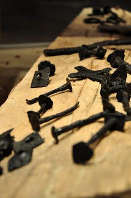 Nity z wrakowiska łodzi wikińskich znalezione w Truso