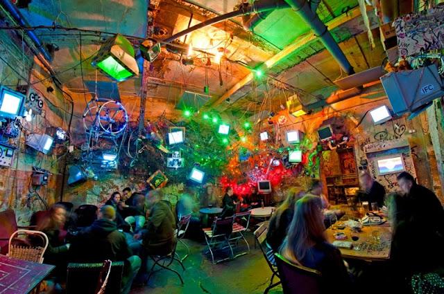 Bar Szimpla Kert, Budapeste