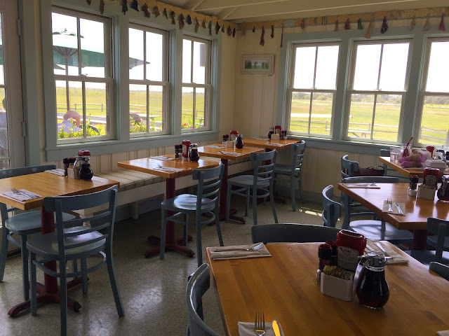 Dining Room | Katama Airport | Edgartown | Chichi Mary Blog