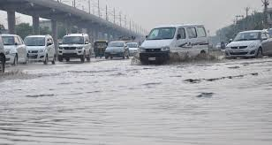 Flooding from torrential rains in Faridabad, traffic jam from place to place affected