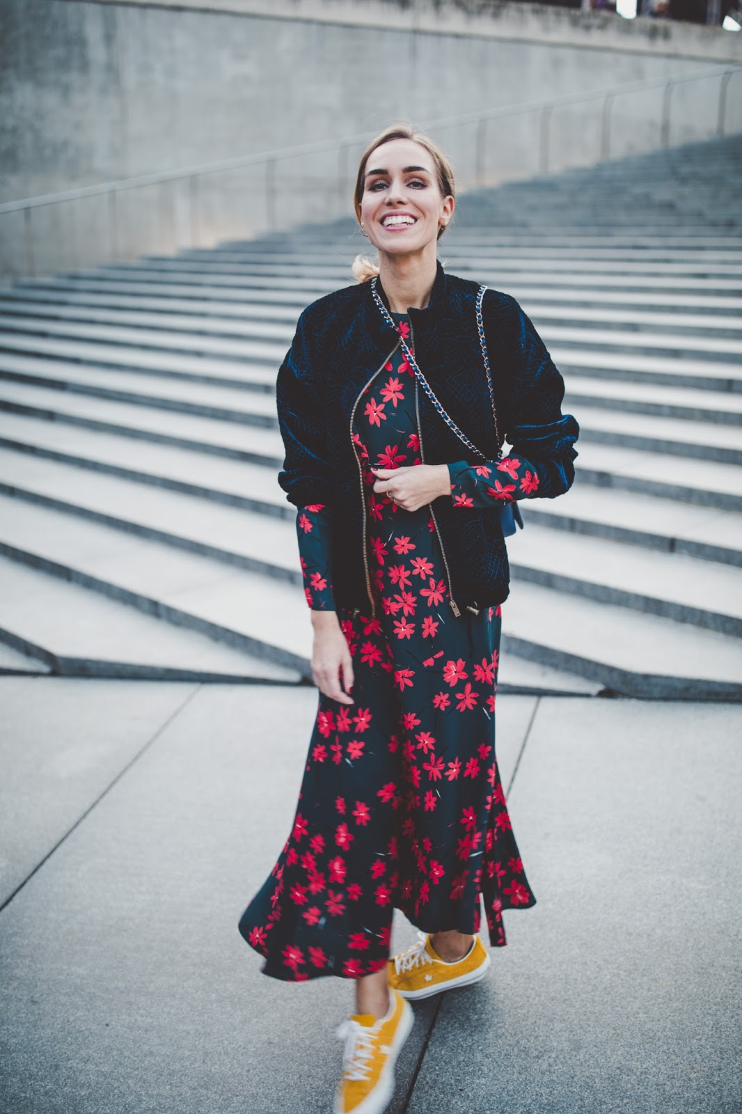 dark blue red floral midi dress fall outfit