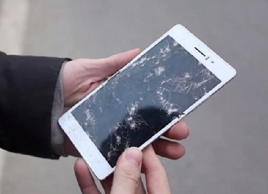 Oppo Find 5 bị vỡ màn hình