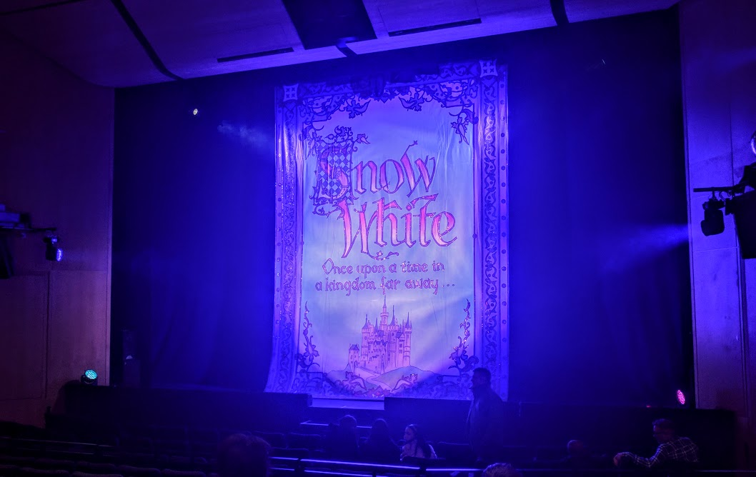 Review & Top Tips | Gala Theatre Durham Panto 2018 | Snow White and the Seven Dwarfs  - curtain up