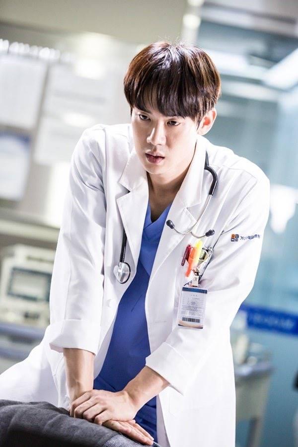 ผลการค้นหารูปภาพสำหรับ yoo yeon-seok dr romantic 2