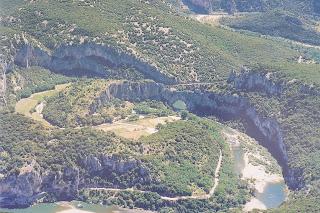 Imagen aérea del Pont d'Arc.