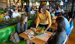 12 Cara Promosi Usaha Makanan Agar Lebih Banyak Pelanggan