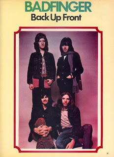 Pete, Joey standing; Tom, Mike sitting, from Sep. 1972 Hit Parader magazine