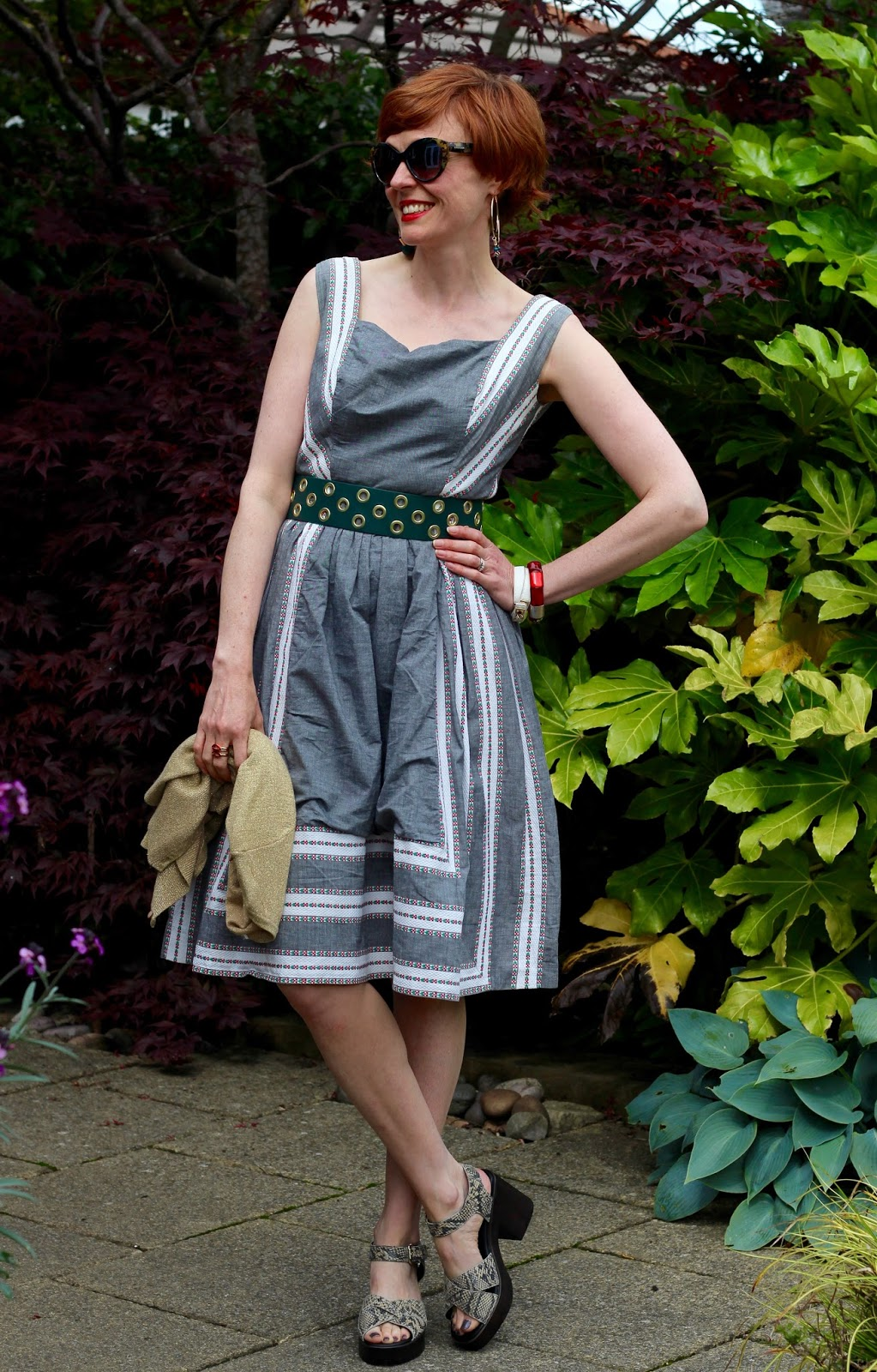 Fake Fabulous | Styling a 1950's Vintage Dress in 2 ways.